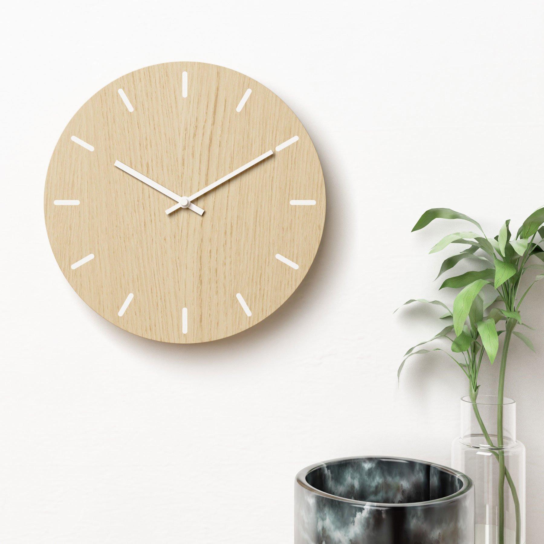 Image of   Vægur i eg med hvide visere - Plexi clock