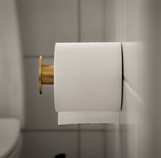 Toiletrulleholder i messing